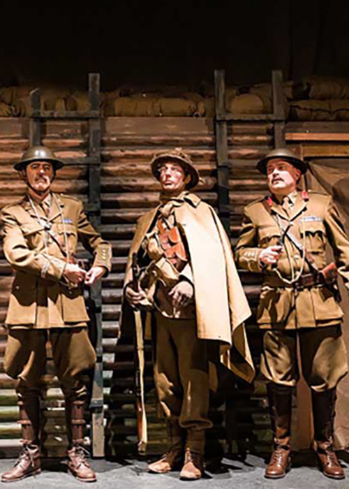 Blackadder Goes Forth  in ww1 uniforms ready to go over the top in the final scene Costume